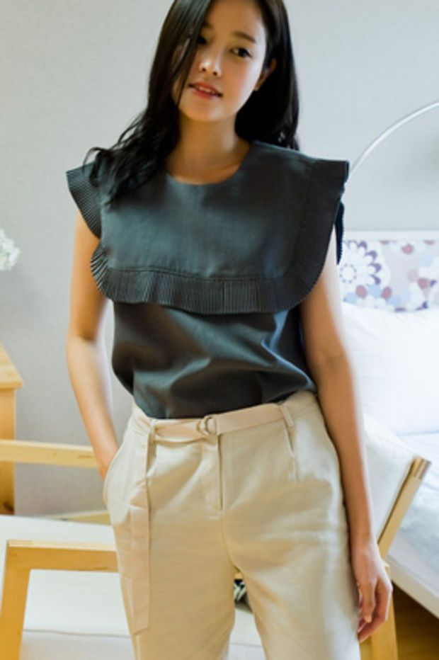 frill square collar blouse