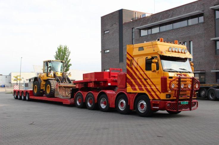 Scania R143 10x4.                       (convoi exceptionnel)
