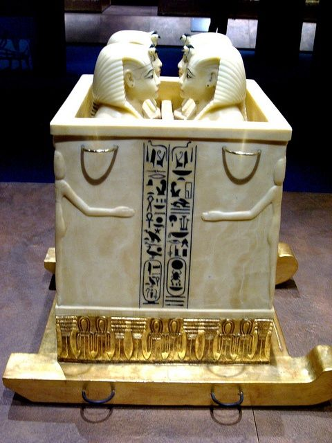 CANOPIC CHEST WITH CANOPIC JARS FROM TUTANKHAMUN'S TOMB..........PARTAGE OF AHMED ELMAHDY............
