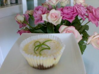 Mini Lime & Gingernut Cheesecakes
