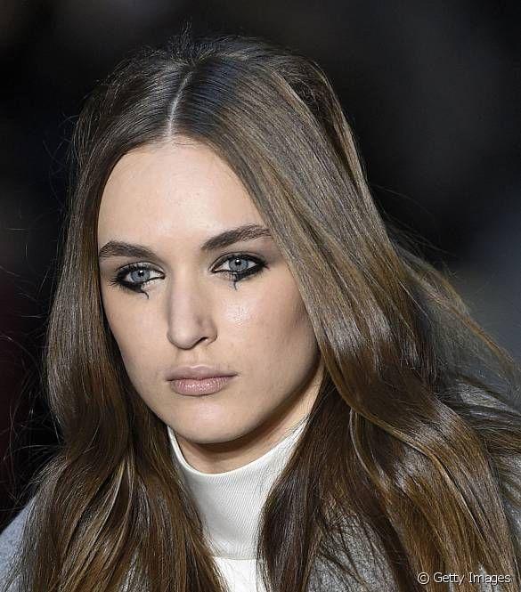 Moda Haftası'nın hâkimi: Gizemli ve dramatik gözler