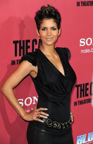 46-year-old Halle Berry is pregnant!