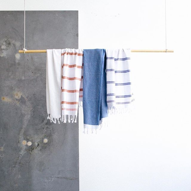 Now you can get a set of TWO PESKIRS  for a reduced price in our web shop.  Use the peskir in the kitchen as a hand towel, a post-shower hair wrap or during bath time for little ones. ☝️Tap the link in our profile to shop our selection.
