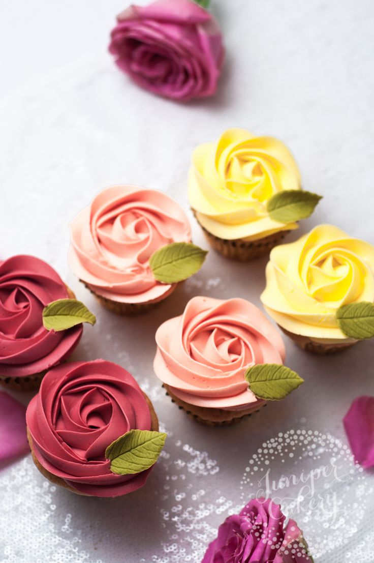 Valentine rose cupcakes by Juniper Cakery