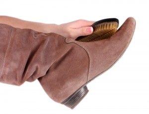 nettoyer des chaussures en daim