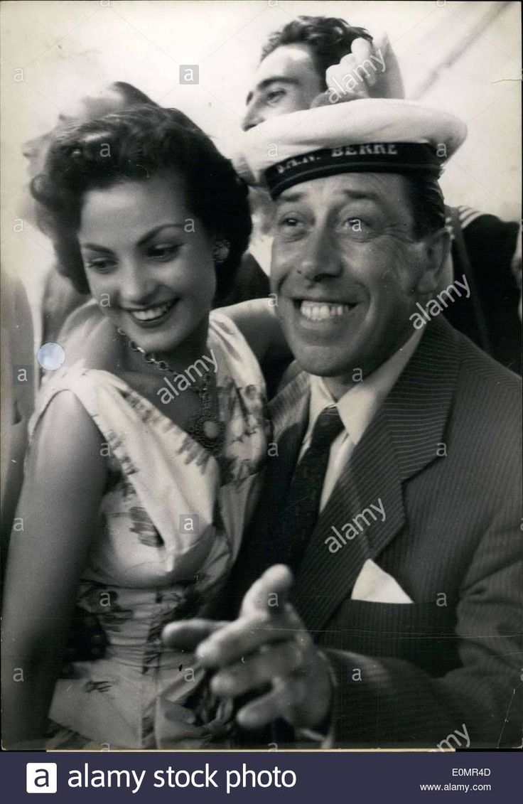 Download this stock image: May 08, 1956 - Fernandel and Carmen Sevilla at a Cocktail Party - E0MR4D from Alamy's library of millions of high resolution stock photos, illustrations and vectors.