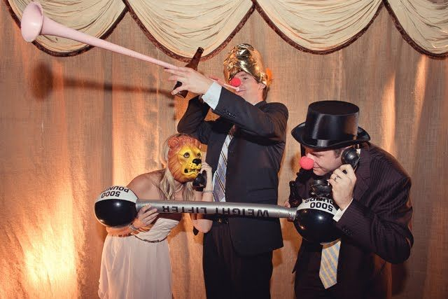 JL DESIGNS: an old world circus wedding