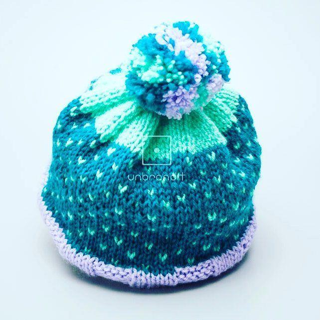 """""""#handmade #knitting #knitwear #hat #hatknitting #needles #acrilyc #hypoallergenic#pompoms #yarn…"""""""