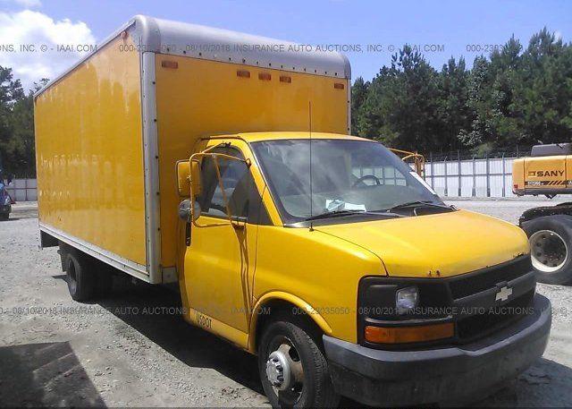 Bid To Win 2004 Chevrolet Express G3500 For Sale At Salvagebid Com