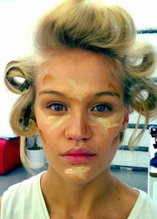 Quand vous appliquez du fond de teint, votre maquillage devrait ressembler à des peintures de guerre . | 38 astuces beauté simples et pratiques