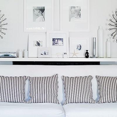 photos: Lack Shelf, Livingrooms, Living Rooms, Idea, Black And White, Black White, Ikea Lack Shelves, House, White Frames