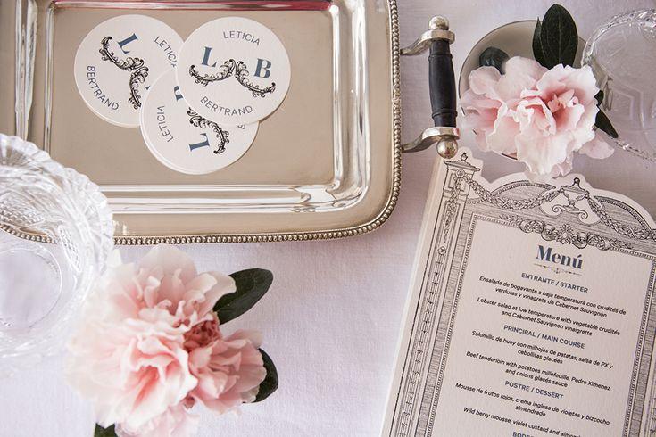 Menú de boda inspirado en París y diseñado por Loveratory  www.loveratory.com #wedding #weddingtrends #wedding2016 #bodas2017 #ideasparabodas #minutasdebodas #minutas #menus #weddingdesing #tableseating