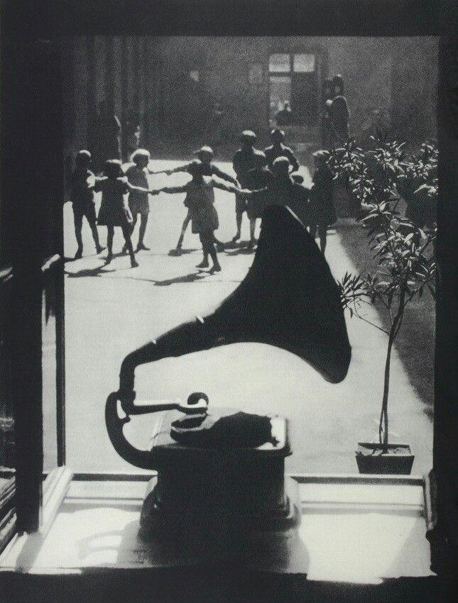 Music: Martin Munkacsi, Germany, 1930