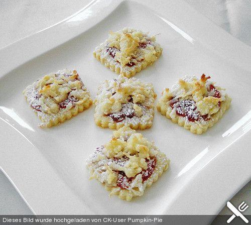 Plätzchen mit Preiselbeeren und Kokosstreusel, ein tolles Rezept aus der Kategorie Kekse & Plätzchen. Bewertungen: 10. Durchschnitt: Ø 4,3.
