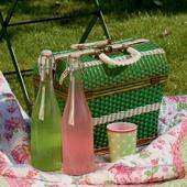 Greengate.  Want this vintage picnic basket!!!!