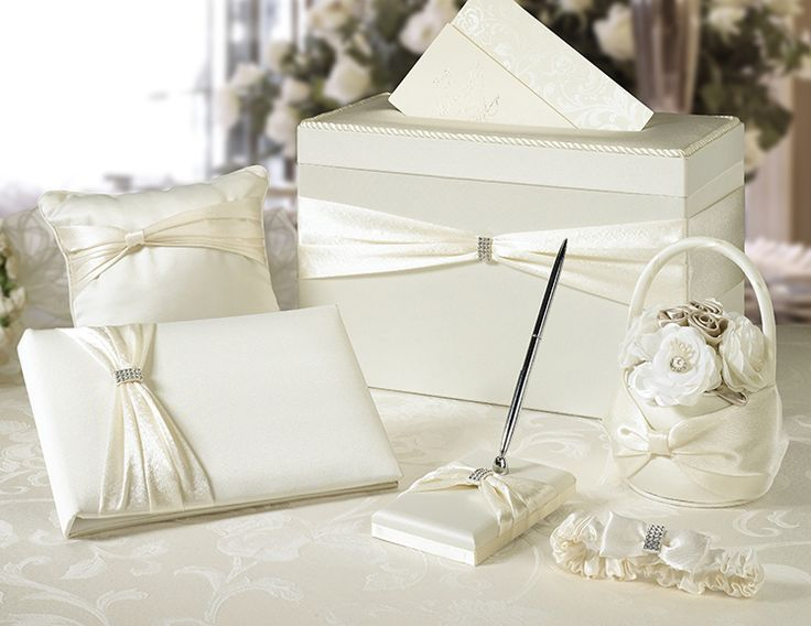 Ivory Sash Wedding Set This Satin Includes Six Accessories Essential To Completing