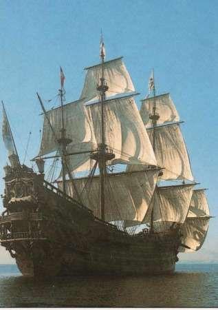 """LE GALION """" NEPTUNE   Ce navire a été construit tout spécialement pour le film """"Pirates"""" de Roman Polanski en 1984, mais continue - paraît-il - sa carrière en allant de port en port, à travers le monde"""