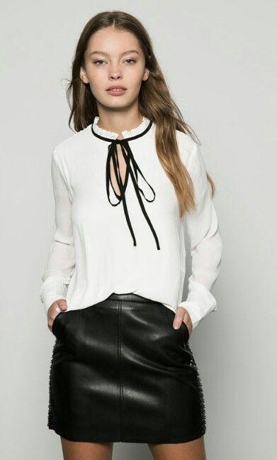 Blusa blanca detalle listón negro