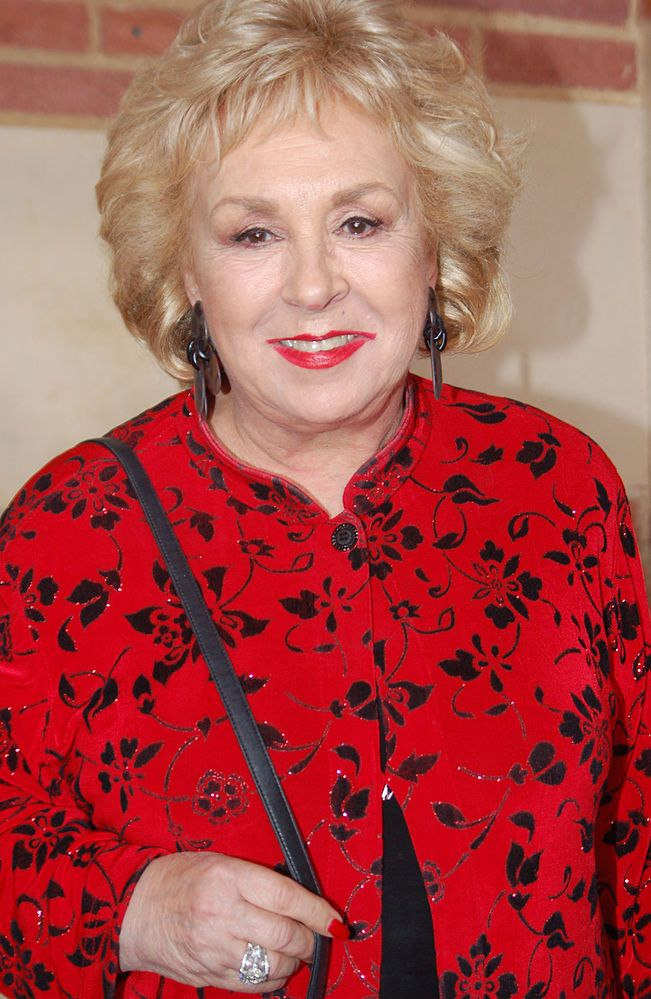 R.I.P Doris Roberts (1925-2016). Light a candle on his Condolences.io profile