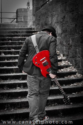 Guy with guitar - Creative High School Senior photos in Urban Portland, OR by www.canazziphoto.com