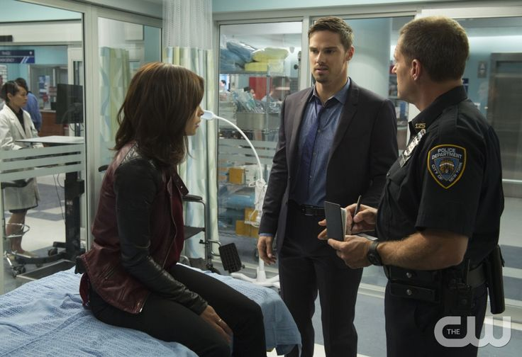 """Beauty and the Beast -- """"The Beast of Wall Street"""" -- Image Number: BB301B_0174 -- Pictured (L-R): Kristin Kreuk as Catherine and Jay Ryan as Vincent -- Photo: Christos Kalohoridis/The CW -- © 2015 The CW Network, LLC. All rights reserved."""