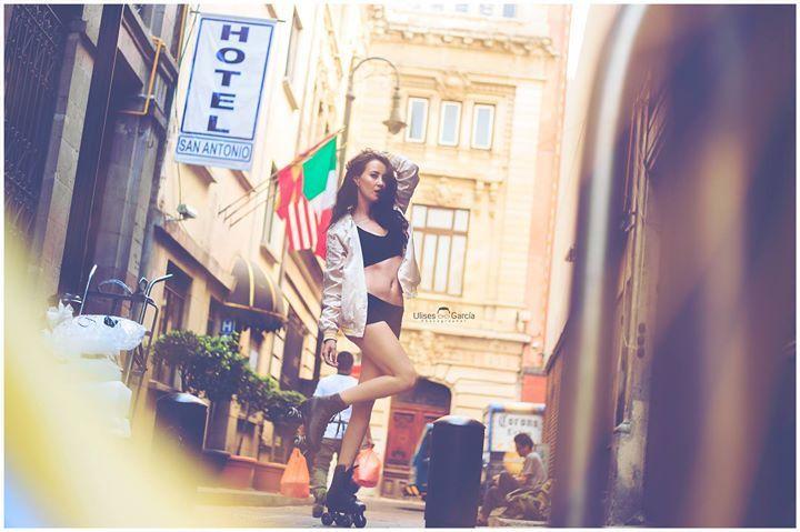 Algo para recordar una gran tarde con muy buenos amigos en mi visita el año pasado a mis tierras #cdmx   Modelo: Feer Palao Fotografia: Ulisesgarciafotografia #hotel #sanantonio #model #modelo #modelomexicana #cdmx #df #centrohistorico #marketing #publicidad #agencia #agency #agenciademodelos #shooting  #street #mexico #fotografo #fotografia #teens #academia #makeup