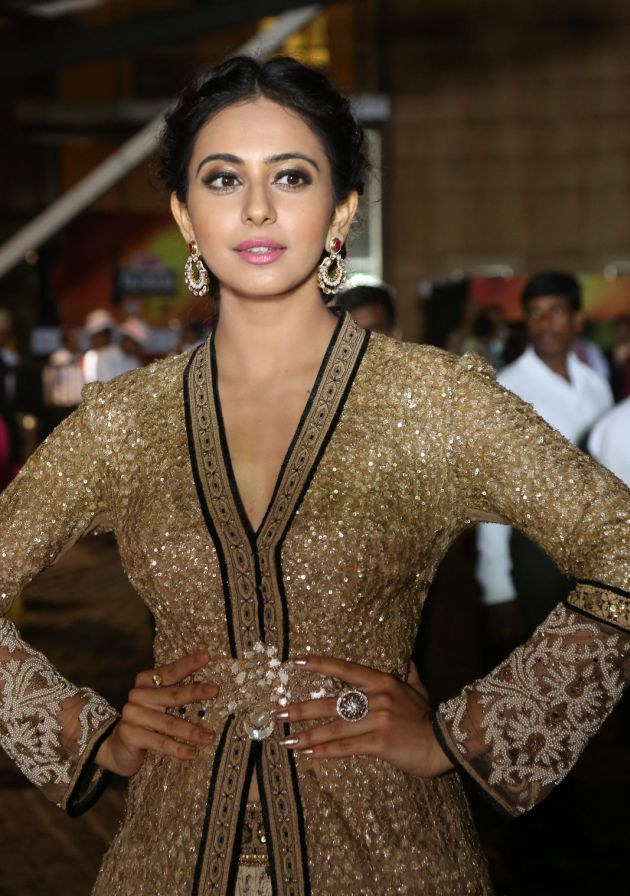 Rakul Preet Singh Photos at Filmfare Awards South 2016