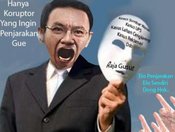 Ahok Maling Teriak Maling. Itu kata Publik  KONFRONTASI-Akal waras kita tentu tergelitik ketika melihat para pendukung Basuki Tjahaya Purnama alias Ahoker yang menuduh orang-orang atau kelompok lain yang tidak mendukung Ahok atau menolak Ahok sebagai gubernur DKI Jakarta mendatang adalah kelompok anti korupsi.  Bahkan Ahok sendiri berujar hanya koruptor yang ingin memenjarakan dirinya dia mencitrakan dirinya bak pahlawan anti korupsi dan berandil besar dalam pemberantasan korupsi dinegeri…