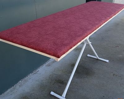 Need to make one of these super sized ironing boards for the sewing room. Good tutorial