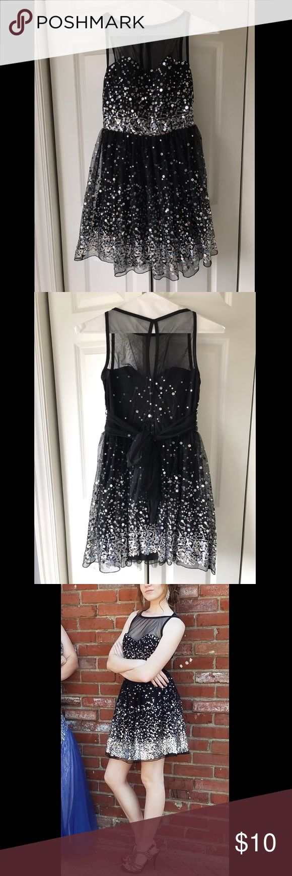 Short Black Formal Dress The tag says it is a Large and it fits a dress size 2, covered in sequins, from Rue 21, just want a couple bucks for it! Rue 21 Dresses Prom