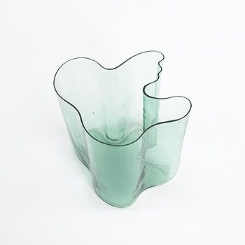 Google Image Result for http://www.themagazineantiques.com/files/2009/01/30/img-acl-aalto-vase_132528618688.jpg_closer_main.jpg