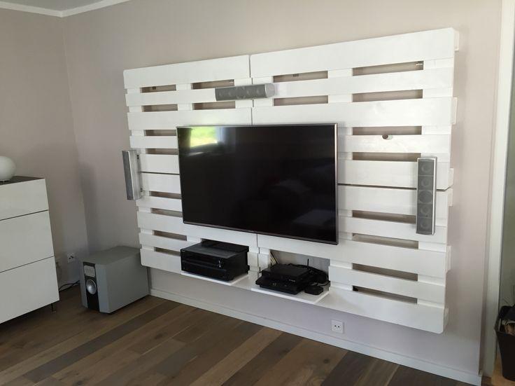 best 25 tv wand europaletten ideas on pinterest. Black Bedroom Furniture Sets. Home Design Ideas