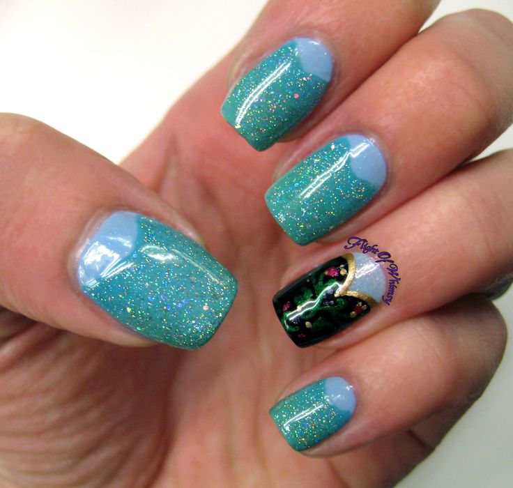 Frozen gown nails