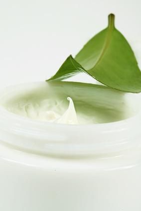 DIY vitamin-C face cream. because the store bought ones are really expensive!: Natural Skin, Homemade Faces Cream, Homemade Anti Wrinkle Cream, Homemade Vitamins C Cream, Cream Recipes, Vitamins E, Skin Care Products, Homemade Face Creams, Aloe Vera
