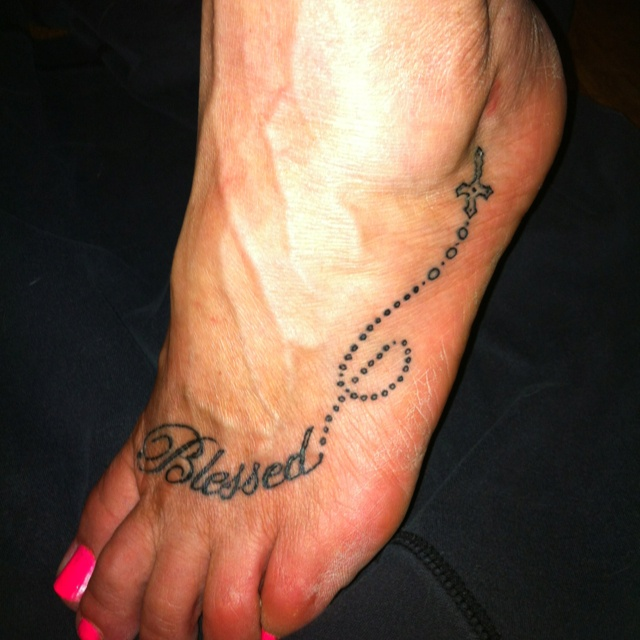 25 Best Ideas About Foot Quote Tattoos On Pinterest: 25+ Best Ideas About Family Tattoo Sayings On Pinterest