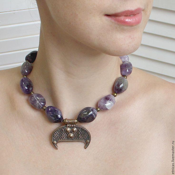 Купить Бусы из натурального аметиста с лунницей - фиолетовый, украшение, бусы, ожерелье, колье, бусы с подвеской