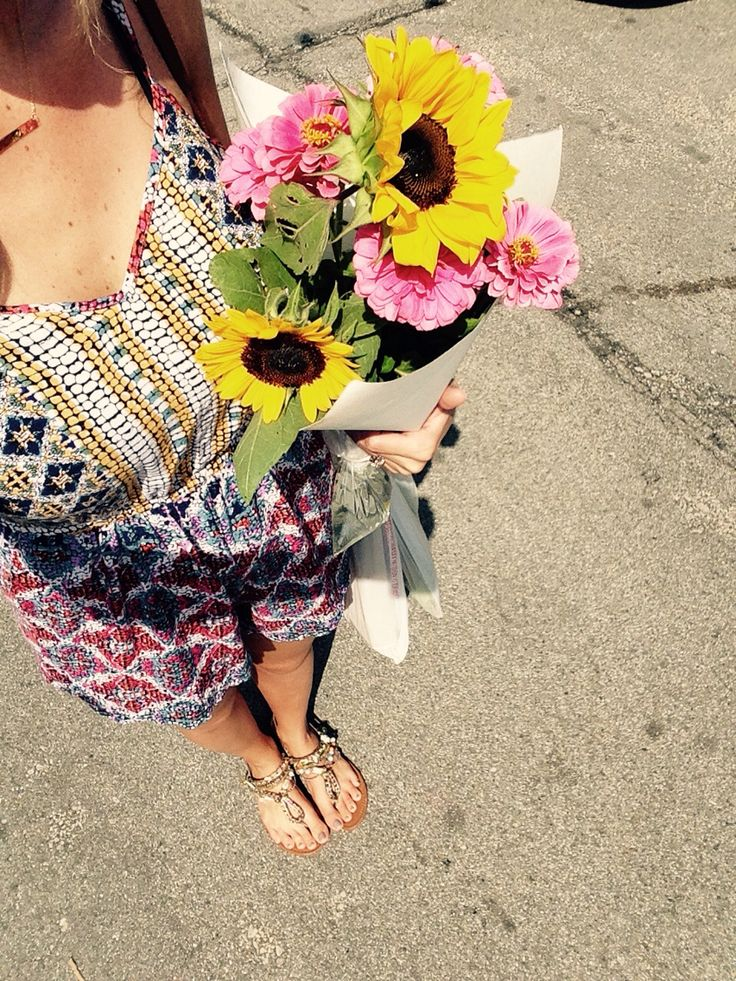 Local farmers market favs and outfit details on the blog!
