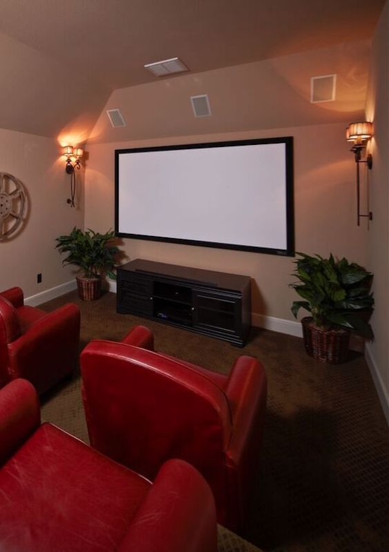 Living Room Theaters Fau Buy Tickets Online: 78 Best Ideas About Red Couch Rooms On Pinterest