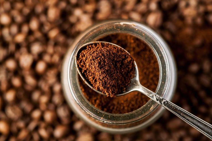 Müll zu reduzieren oder gar zu vermeiden ist inzwischen ein Anliegen vieler Menschen. Nicht nur Verpackungsmüll sondern auch Haushaltsmüll kann und sollte so gering wie möglich gehalten werden. Ein erster Schritt: Kaffeesatz zur Ressource machen.
