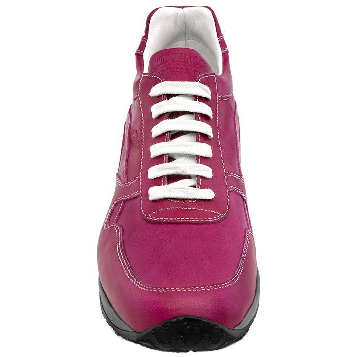 """Les tennis réhaussants """"Okinawa"""" pour femme, pour ajouter jusqu'à 10 centimètres à sa taille. http://www.chaussuresrehaussantes.fr/femmes/okinawa-detail"""