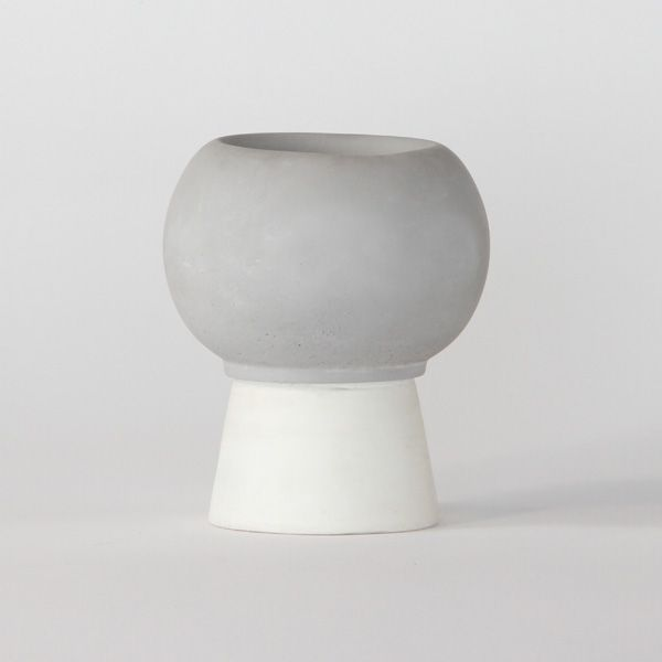 SC150 CERAMIC + CONCRETE VASE + POT ↔11.0cm↑13.0cm. White matte ceramic + grey matte concrete vase + pot. High quality handmade objects Designed+Made by Decovery | Essential Details.