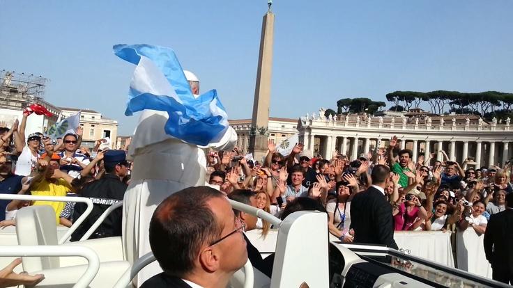 ... y le tiramos la bandera! roma sabado 18 de Mayo