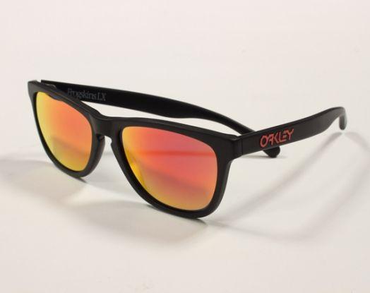 Oakley Frogskins http://www.lodishop.com/negozio/ottical-occhiali-sole-vista-montature-lenti-a-contatto-lodi/ #sunglasses #oakley #lodi #italy