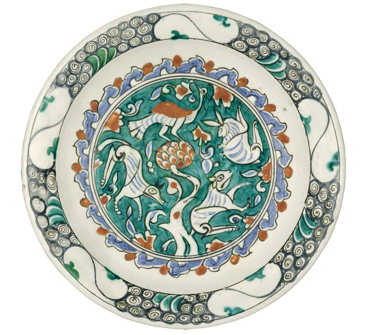 AN IZNIK POLYCHROME POTTERY DISH WITH ANIMALS, TURKEY, 1580-1600