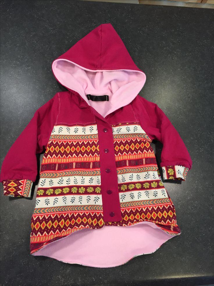 Little girl's hoodie, pattern Parka Black (y) by Freestyle Rocker via The Makerist