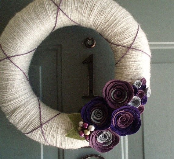 Wreath idea - Nice neutral wreath - I like the purple argyle like stripes which could be added over the neutral wreath base