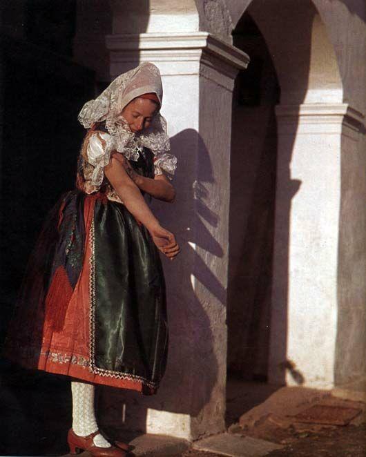 A young wife (menyecske)  Kapuvár, Győr-Sopron County  Károly Koffán