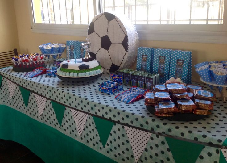 Mesa dulce para fiesta de fútbol. Latiendadecoideas@gmail.com