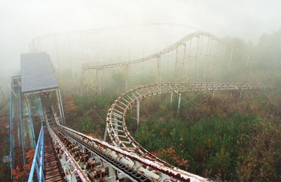 abandoned amusement park in Japan. obsesssed.: Abandoned Rollers, Modern Ruins, Rollers Coasters, Abandoned Amusement Parks, Roller Coasters, Theme Parks, Abandoned Theme, Abandoned Places, South Korea