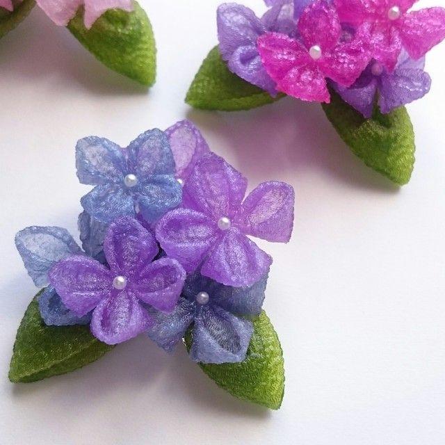 ゼリーのようなつまみ細工 ブローチ 紫陽花 C